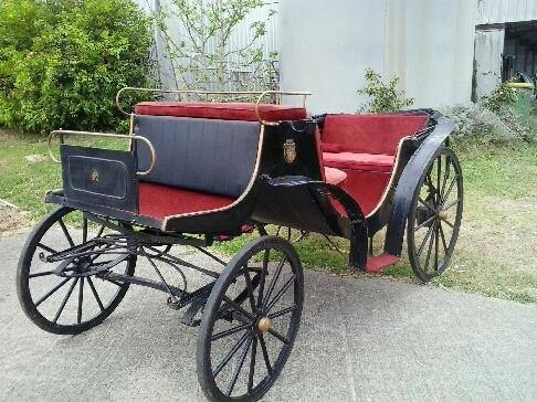 Victorian Wedding Carriage available for Weddings & Events